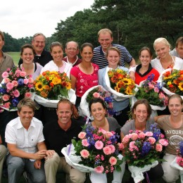 ELTK dames met coaches.